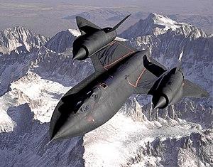 اسرع 50 طائرة في العالم 300px-Lockheed_SR-71_Blackbird