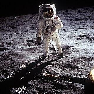 40 ans des premiers pas sur la Lune - 21 juillet 2009 - Page 2 320px-Aldrin_Apollo_11