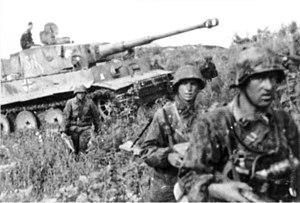 اجيال الحروب 300px-Bundesarchiv_Bild_101III-Zschaeckel-206-35%2C_Schlacht_um_Kursk%2C_Panzer_VI_%28Tiger_I%29