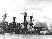 Pearl Harbor, la suite 220px-USS_West_Virginia_sunk-Pearl_Harbor-7Dec41