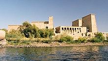 سلسلة لماذا نحب مصر؟ 220px-Philae%2C_seen_from_the_water%2C_Aswan%2C_Egypt%2C_Oct_2004
