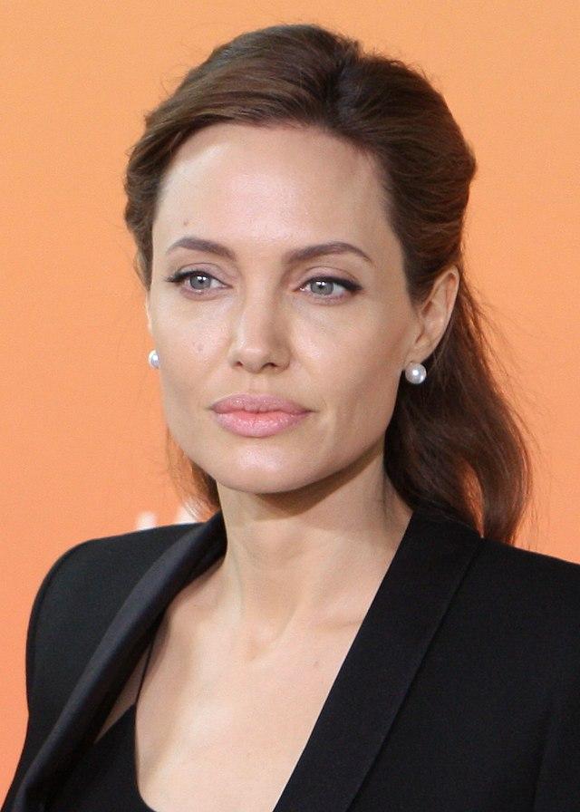 Anđelina Džoli 640px-Angelina_Jolie_2_June_2014_%28cropped%29