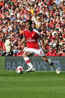 Cesc Fábregas - post oficial - 220px-Arsenal_v_Stoke_City_FC_-_Cesc_Fabregas_dribble