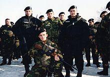 Insurrection albanaise de 2001 en Macédoine 220px-Juli2001Matejce