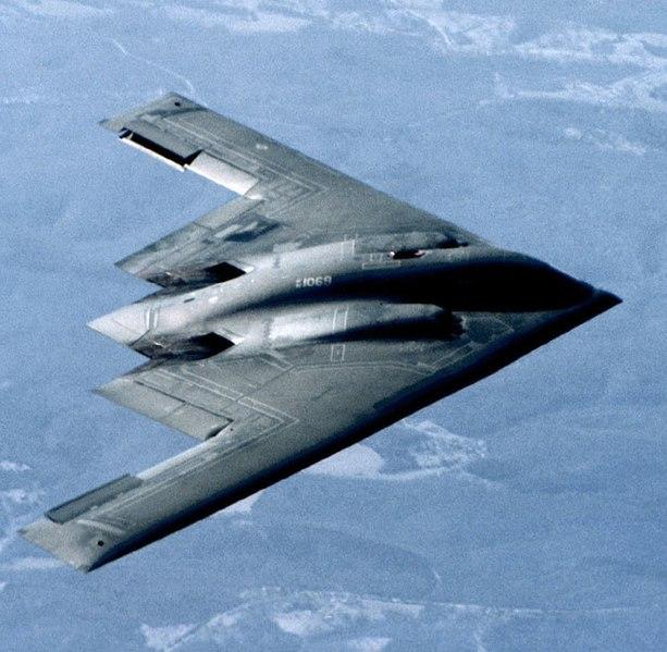 Bourane c'est fini - Page 2 613px-USAF_B-2_Spirit
