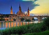 İspaniya ........... 170px-Basilica_del_Pilar-sunset