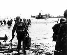 Opération NEPTUNE - L'expression jour J (en anglais D Day) désigne le 6 juin 1944, jour où a débuté le débarquement allié en Normandie lors de la Seconde Guerre mondiale. 220px-Landings_on_Utah_beach