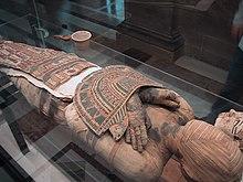 Fiche des codes couleurs peintures 220px-Mummy_Louvre