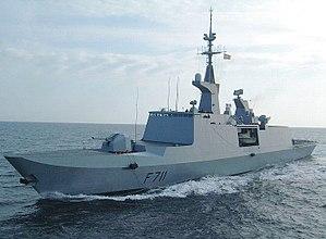 حصرى للمنتدى/قراءة في الخلفية التاريخية لتطور القوة البحرية+(صور) 300px-FS_Surcouf