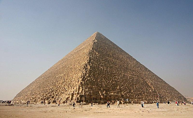 عجائب الدنيا العشر 800px-Kheops-Pyramid