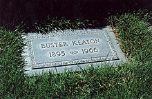 LES CIMETIERES D'HOLLYWOOD 220px-Grave_of_Buster_Keaton