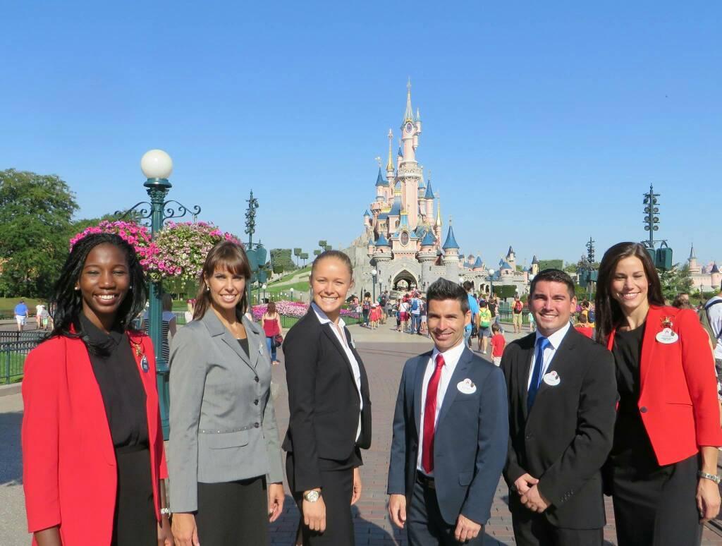 Ambasciatori Disneyland Paris 2017 - 2018 D5e56f1f5cb6a2c2e9c2a7a404d43b44