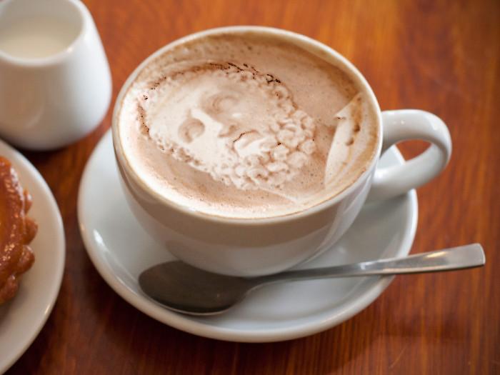 Prava umetnost u šoljici kafe! - Page 5 Meam6CFB7hRO4Esc9rMXpw_r