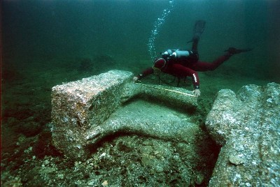 Ancient Egypt: Underwater Archaeologists Uncover Destroyed Temple in Sunken City of Heracleion Underwater_2