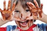 #CUMPLEAÑOS FELIZ#CUMPLEAÑOS FELIZ# TE DESEAMOS A TI# - Página 2 5678792-pequeno-nino-lindo-con-chocolate-en-la-cara-y-las-manos