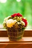 LA FLOR DE CAMOMILA 5328878-bouquet-of-flowres-on-the-windowsill