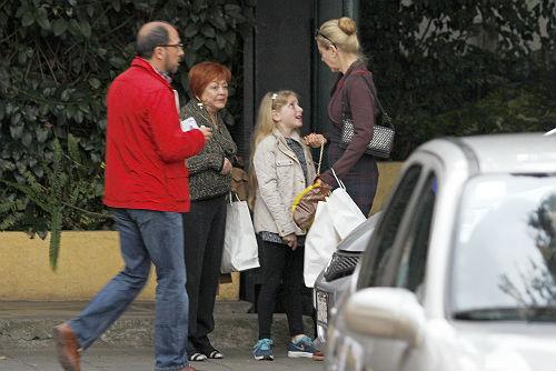 2014-03-20. [ FOTOS ] Tierna charla entre madre e hija Contanza-platica1--a