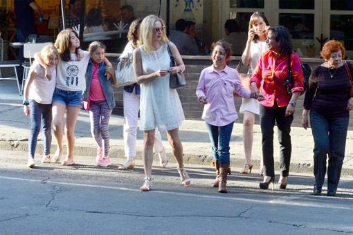 2015-04-15. [ FOTOS & SCAN ] Edith y Constanza en una tarde de chicas Constanza--z
