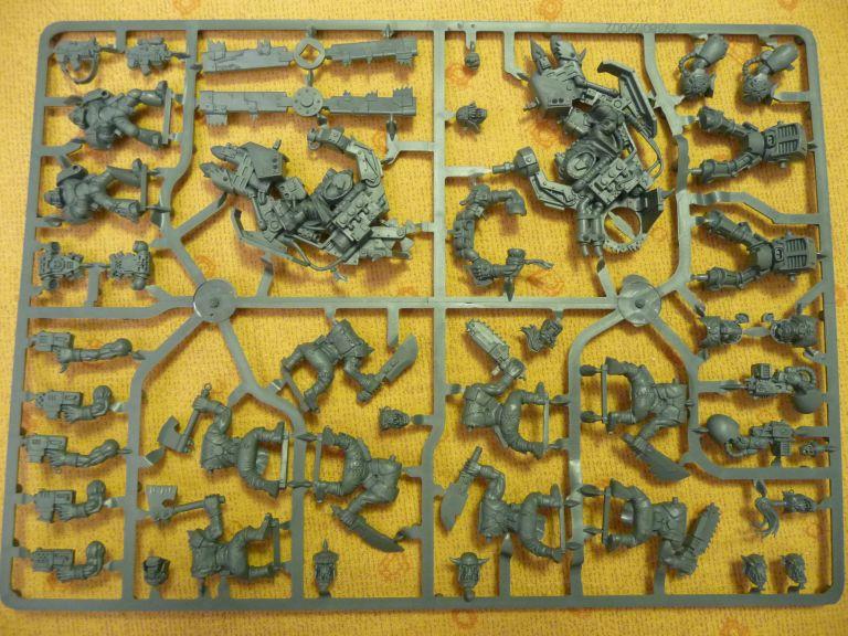 Figurines Orks et Space Marine BR_009