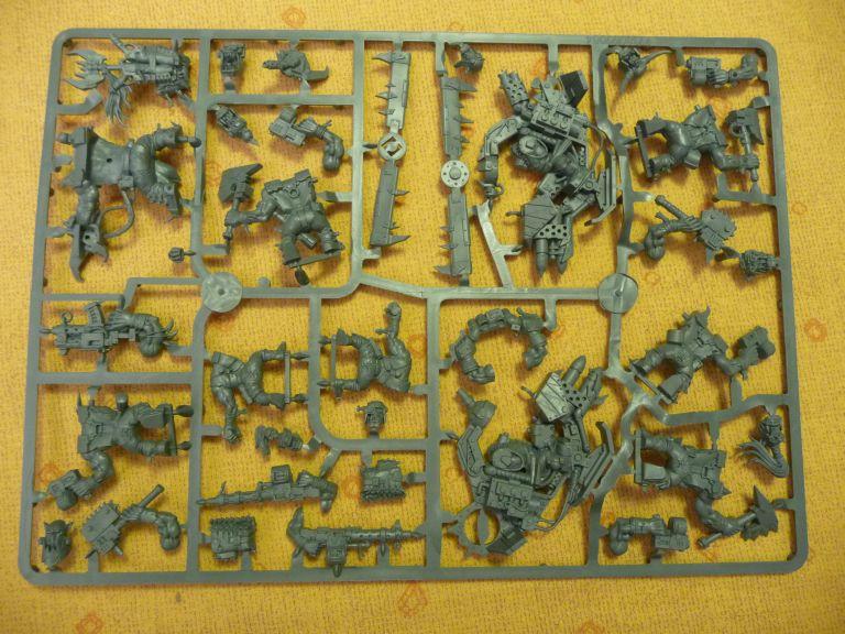 Figurines Orks et Space Marine BR_010