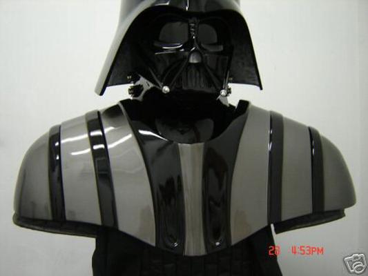 Tout savoir sur le costume de Darth Vader Armor_rots1