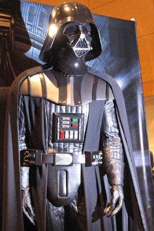 Tout savoir sur le costume de Darth Vader Cod_rots2