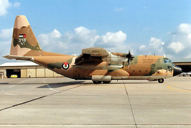 Fuerzas Armadas de Jordania C130h_jordan1