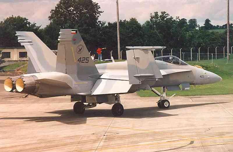 اف-18 مقاتلة متعددة المهام  Ku_f18