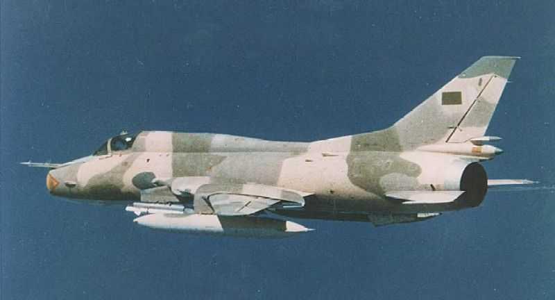 سلاح الجو الليبي Su22_li1