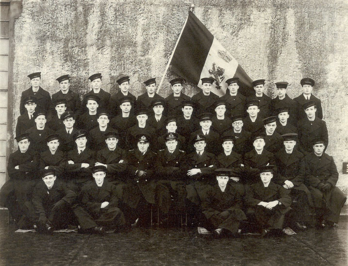 Royal Navy Section Belge - Page 3 B1