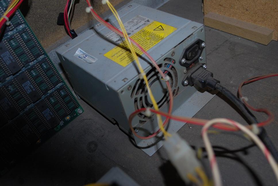 [Rech] power supply d'une borne mortal kombat 3 Powersupplyumk3b