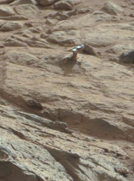 "Un autre ""truc"" brillant à la surface de Mars Mars-shiny-closeup-430x580"
