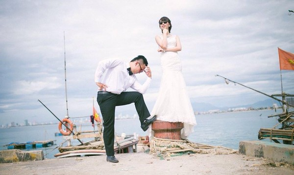 """Cặp đôi """"yêu nhau vì xấu"""" và bộ ảnh cưới chụp… ké trong 3 tháng 1413940360_8"""