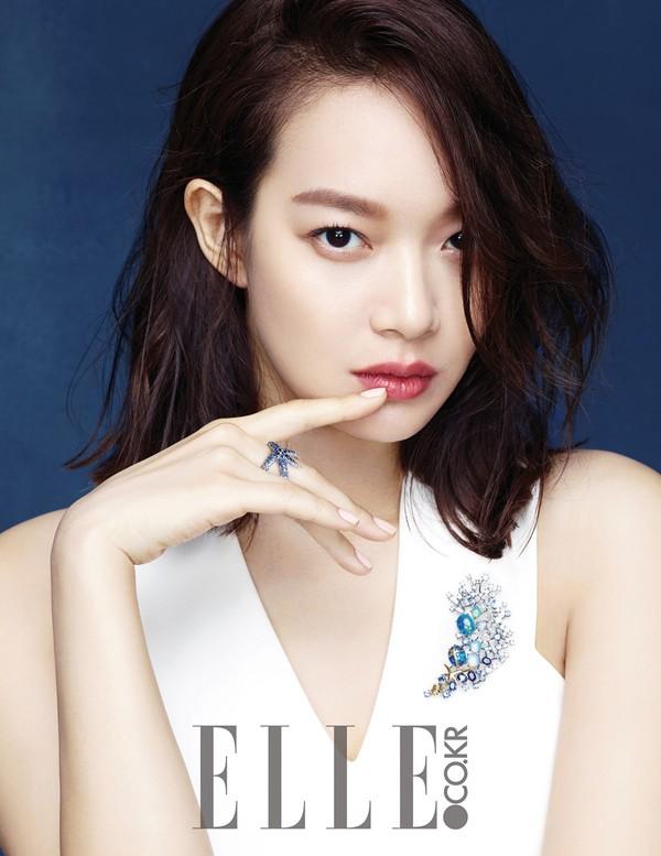 Hai tiêu chuẩn về làn da đẹp của các quý cô Hàn Quốc: làn da giàu độ ẩm & lớp trang điểm láng bóng 1416970711_1