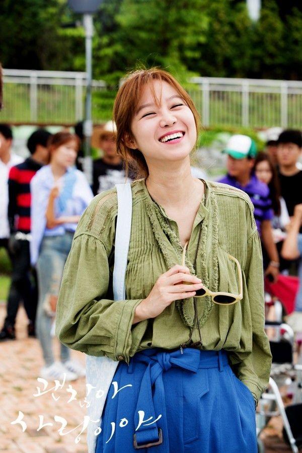 Hai tiêu chuẩn về làn da đẹp của các quý cô Hàn Quốc: làn da giàu độ ẩm & lớp trang điểm láng bóng 1416970712_3