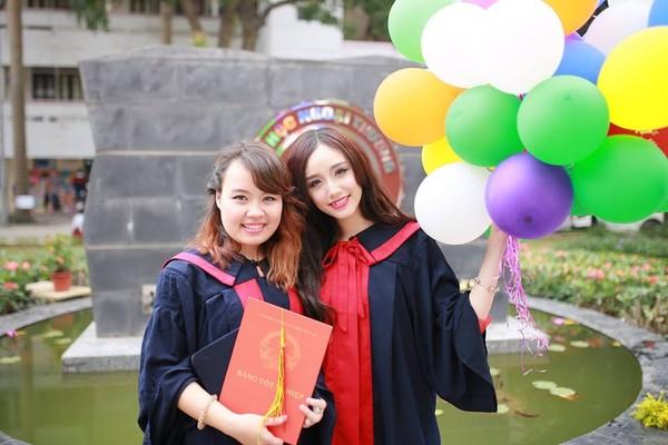 Loạt ảnh kỷ yếu, tốt nghiệp xinh ngất ngây của hot girl các trường Đại Học 1417752550_6