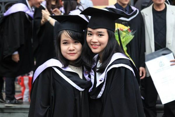 Loạt ảnh kỷ yếu, tốt nghiệp xinh ngất ngây của hot girl các trường Đại Học 1417752554_9