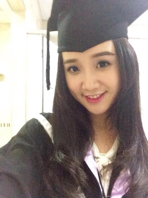 Loạt ảnh kỷ yếu, tốt nghiệp xinh ngất ngây của hot girl các trường Đại Học 1417752559_14