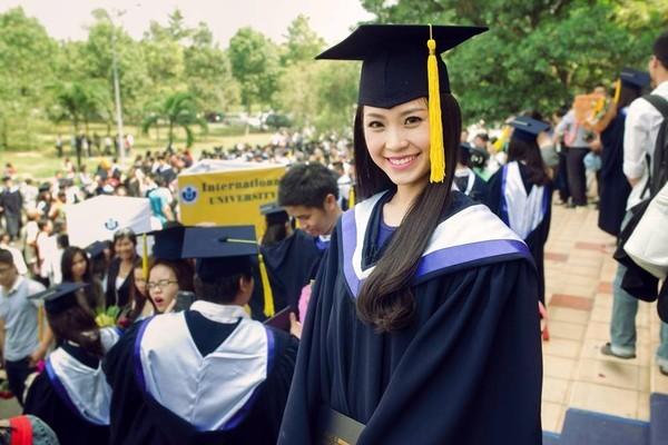 Loạt ảnh kỷ yếu, tốt nghiệp xinh ngất ngây của hot girl các trường Đại Học 1417752564_17