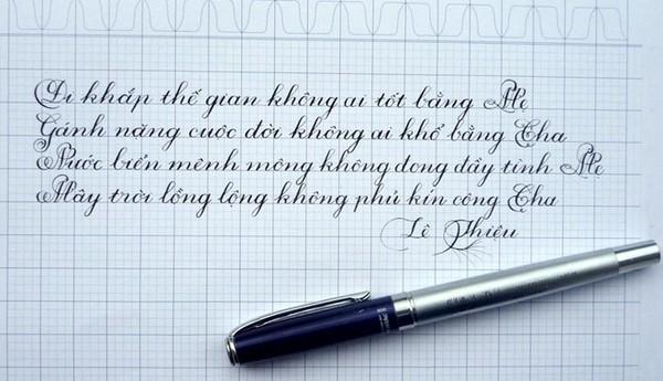 4 chàng trai 9X Việt viết chữ đẹp như in lay động người xem 1417952279_12