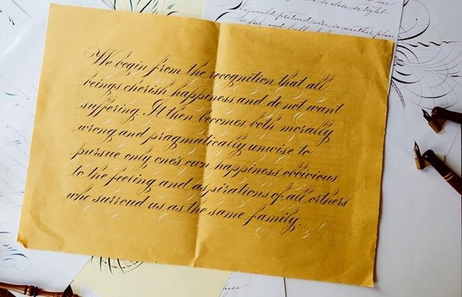 4 chàng trai 9X Việt viết chữ đẹp như in lay động người xem 1417952281_14