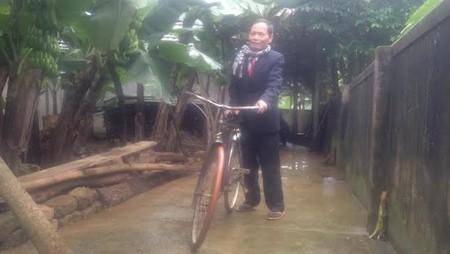 Truyện trường lớp: Người thầy đồng hành với chiếc xe đạp mua từ năm 1958 1418264928_7