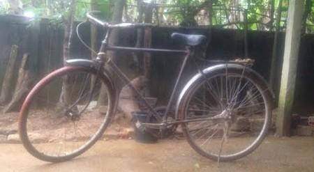 Truyện trường lớp: Người thầy đồng hành với chiếc xe đạp mua từ năm 1958 1418264932_8