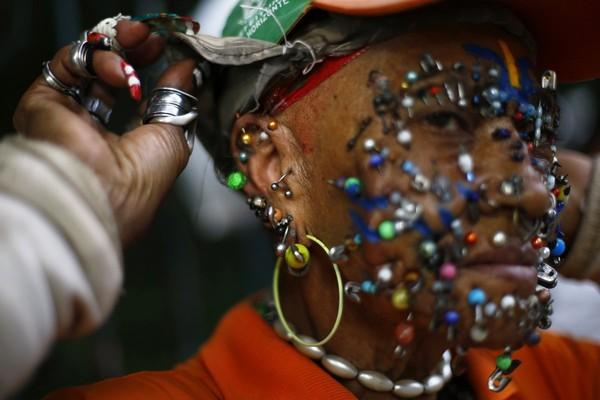 Ảnh độc: Người Việt chở đồ cồng kềnh lọt top những bức ảnh kỳ lạ nhất 2014 1419317693_9
