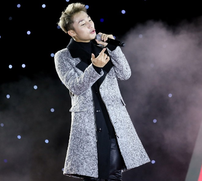 Sơn Tùng M-TP hát sung bất chấp lệch cấm diễn từ công ty cũ 1417315399_5