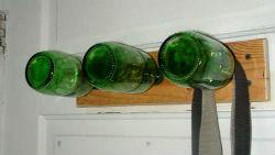 Бутылки в интерьере K%D0%B0k-isp%D0%BElz%D0%BEv%D0%B0t-stekly%D0%B0nnye-butylki-6