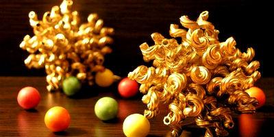 Новогодние украшения.  Как и чем украсить елку. Украшения на елку, игрушки своими руками. Елка своими руками. Необычные елки. - Страница 2 Snezhinki-iz-makaron-20