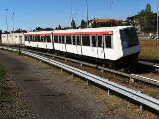 Invention du Métro Automatisé  (Véhicule automatisé métropolitain) 320px-VAM206