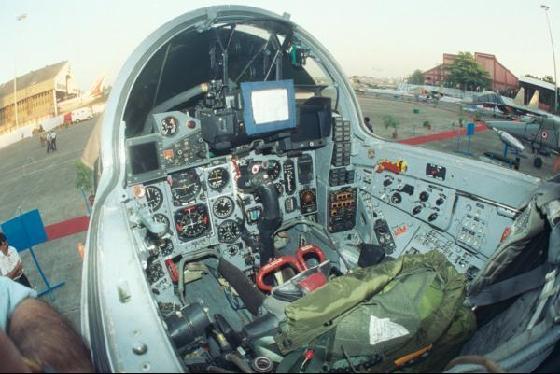 نقاش : كيف تتصدي السودان لهجمات اسرائيل الجوية ؟ - صفحة 6 MiG-29_IAF_cockpit