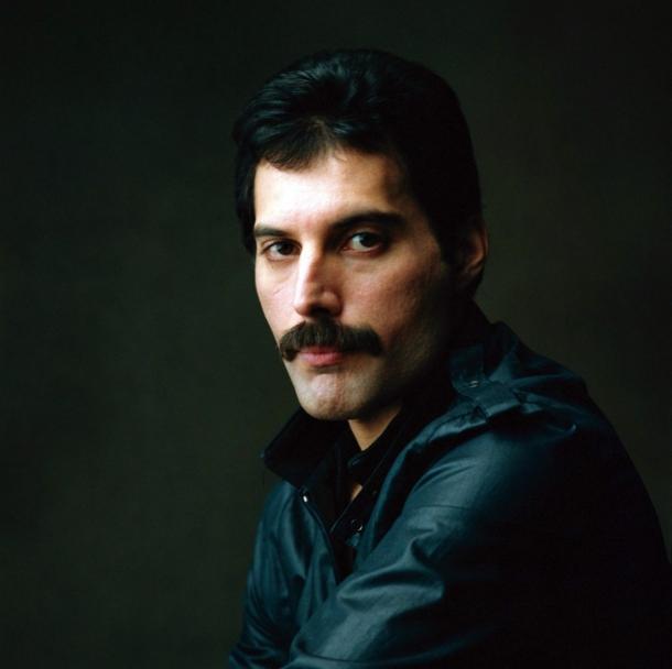 """Эпоха  Королевы""""... - Страница 4 Freddie-Mercury_5"""